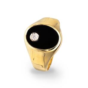 Chevalière 750/18 K or jaune creux avec onyx et diamant 0.04ct.