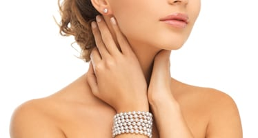 Damenschmuck mit Perlen
